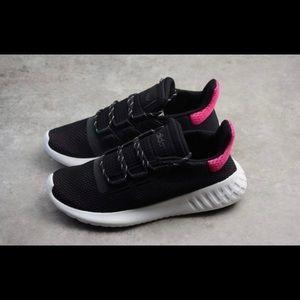 NEW Adidas Wmns Tubular Dusk Sneaker